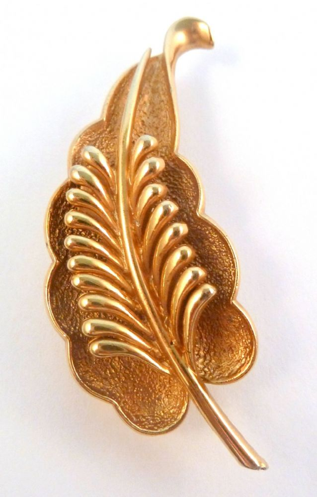 Vintage Sphinx Raised Leaf Design Brooch